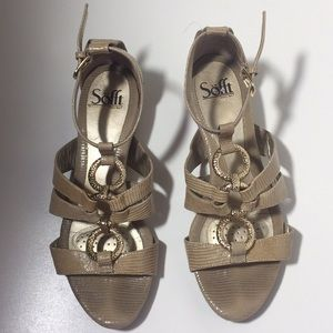 Sofft 7.5 Beige Leather Gold Rings Sandals Shoes